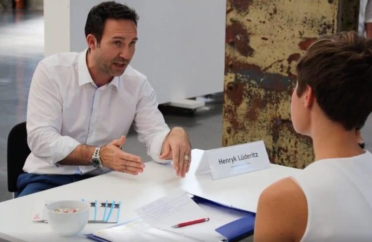 Experte junge Führungskräfte, Business Coach Düsseldorf, Führungskräftetrainer, Kommunikationstechnik, aktives Zuhören, erfolgreiche Kommunikation, Empathie, Management Trainer Düsseldorf