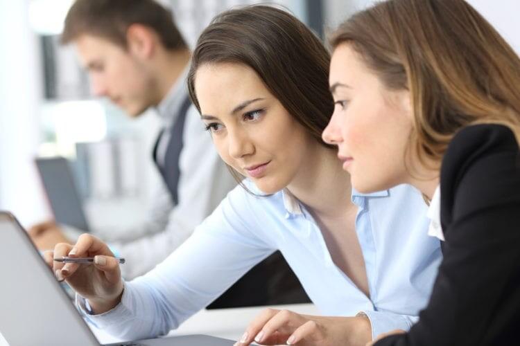 SWOT-Matrix,Teambuilding, Vision entwickeln, Strategisches Management, Mitarbeitergespräch, Führung, Business Coach Düsseldorf, Management Trainer, Trainer für junge Führungskräfte